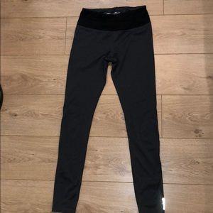 Dark Gray Reebok Workout Leggings with Pocket